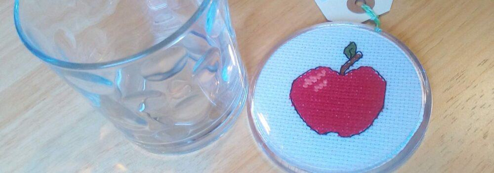 cropped-Apple-coaster-with-glass-scaled-1.jpg